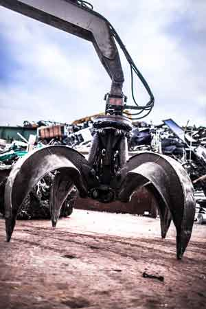 Heavy equipment claw